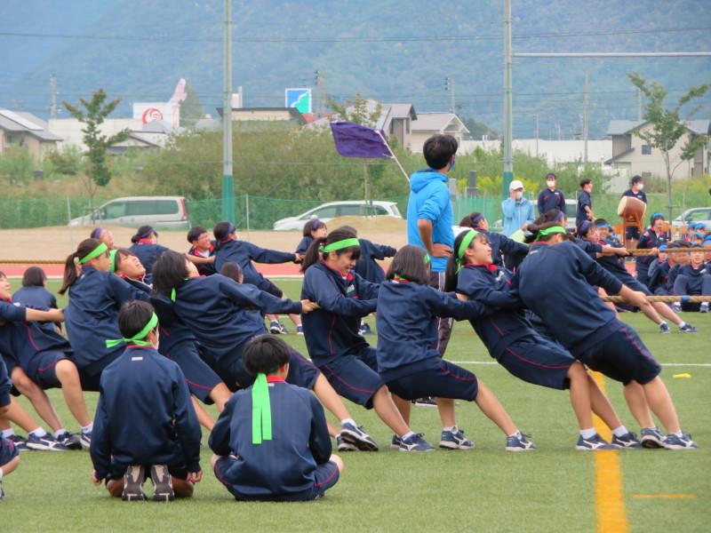体育祭で初めて全校生徒がそろいました_e0359282_16121431.jpg