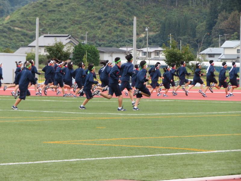 体育祭で初めて全校生徒がそろいました_e0359282_16121994.jpg