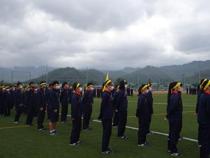 体育祭で初めて全校生徒がそろいました_e0359282_16131919.jpg