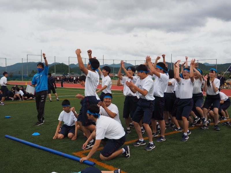 体育祭で初めて全校生徒がそろいました_e0359282_16133855.jpg