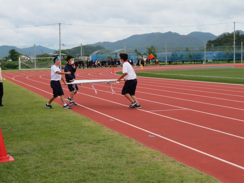 体育祭で初めて全校生徒がそろいました_e0359282_17032962.jpg