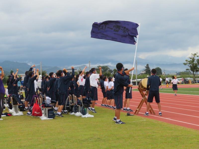 体育祭で初めて全校生徒がそろいました_e0359282_17095252.jpg