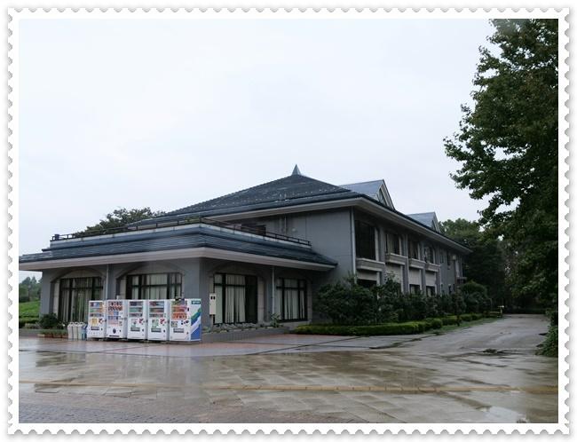 お友達の「写真展示会」(^^♪_b0364186_12444450.jpg