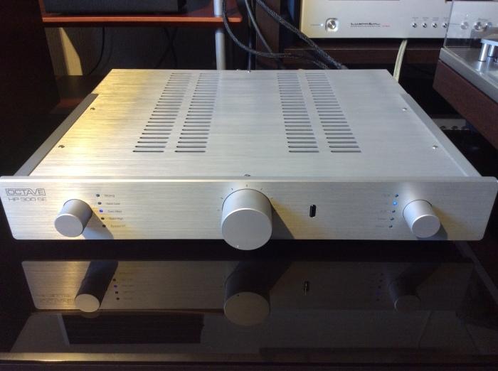 当店のオーディオ試聴機のセッティング状況です。_b0292692_15303980.jpg