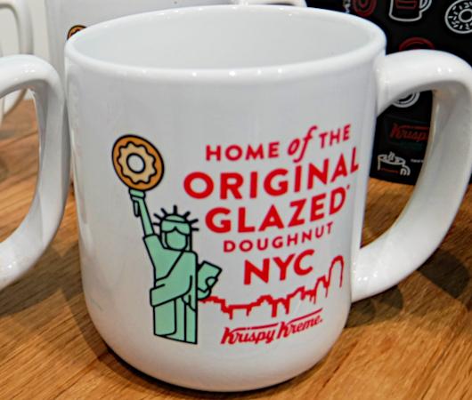 クリスピー・クリームのニューヨークならではのオリジナル・グッズ_b0007805_00014273.jpg