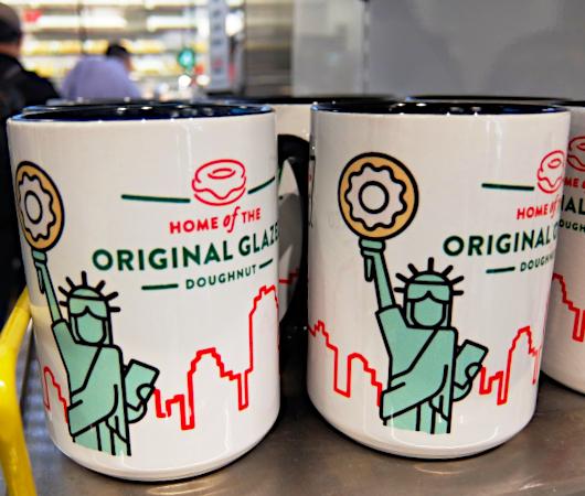 クリスピー・クリームのニューヨークならではのオリジナル・グッズ_b0007805_00023446.jpg