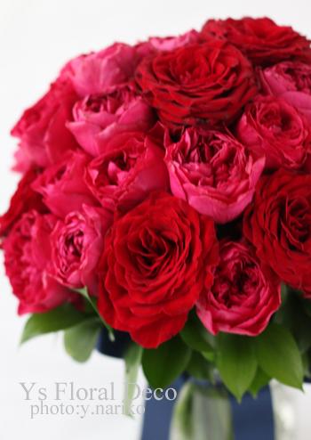 赤と鮮やかなピンクのバラブーケ_b0113510_08591536.jpg