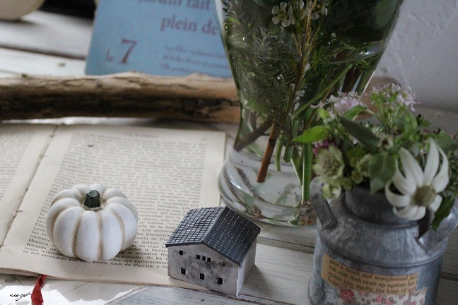 玄関インテリアに花のある暮らしを・・・願望!_f0023333_22031113.jpg