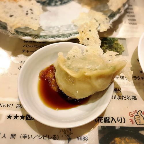 氷花餃子 津新町店_e0292546_03461882.jpg