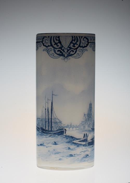 ルグラ 帆船デザイン オパリン花瓶 デルフト風_c0108595_23173631.jpeg