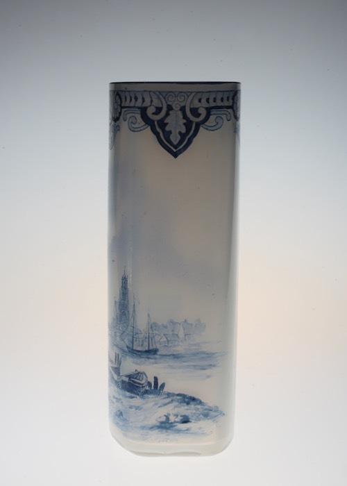 ルグラ 帆船デザイン オパリン花瓶 デルフト風_c0108595_23201098.jpeg