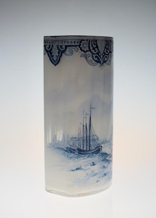 ルグラ 帆船デザイン オパリン花瓶 デルフト風_c0108595_23220944.jpeg