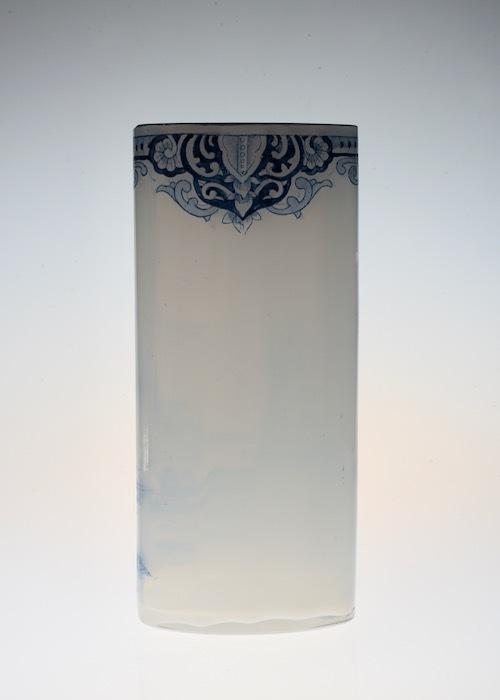 ルグラ 帆船デザイン オパリン花瓶 デルフト風_c0108595_23223234.jpeg