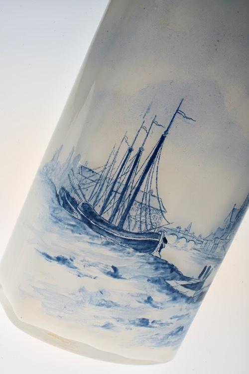 ルグラ 帆船デザイン オパリン花瓶 デルフト風_c0108595_23240179.jpeg