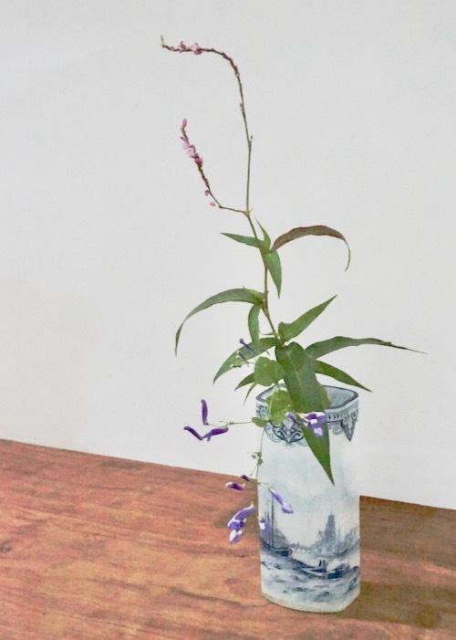ルグラ 帆船デザイン オパリン花瓶 デルフト風_c0108595_23264108.jpeg