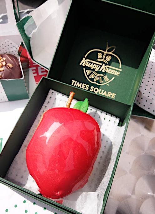 クリスピー・クリームの1つ1200円ほどするニューヨークならではの特別ドーナツ(Big Apple Doughnut)を試食_b0007805_20544099.jpg