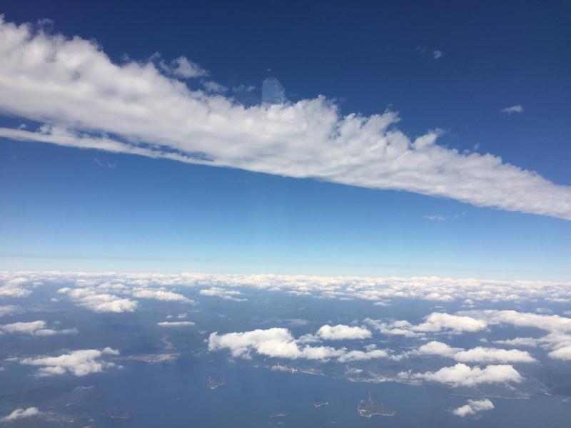 【これは地震雲??】一直線に遠く遠く伸びた雲に出会う ~ゴムパッチン雲_b0008655_13312931.jpg