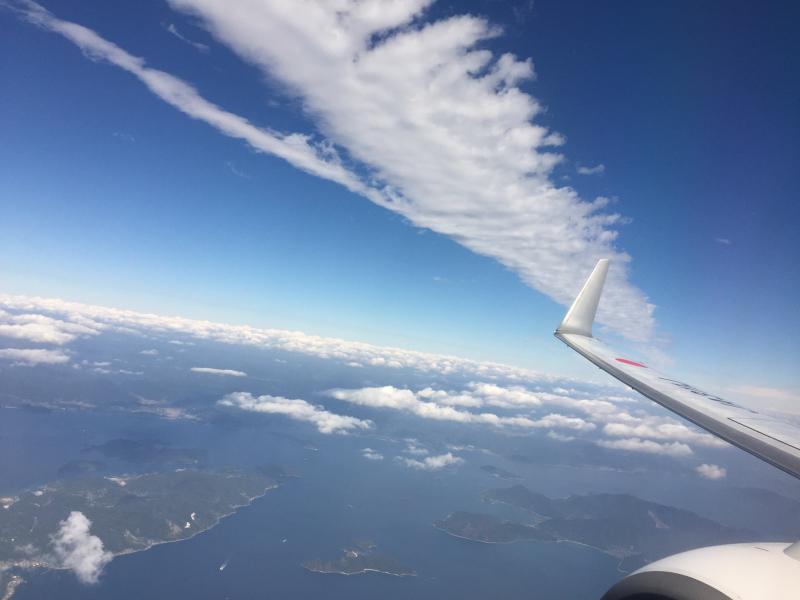 【これは地震雲??】一直線に遠く遠く伸びた雲に出会う ~ゴムパッチン雲_b0008655_13334179.jpg
