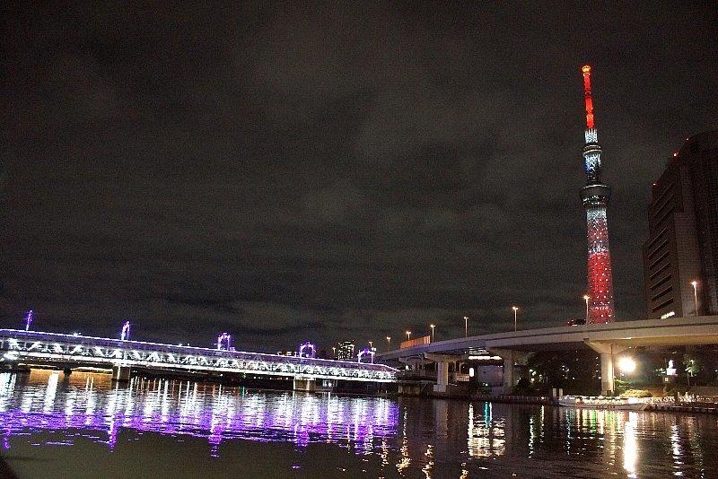 赤く輝いて☆スカイツリー特別ライティング☆_a0355365_07181641.jpg