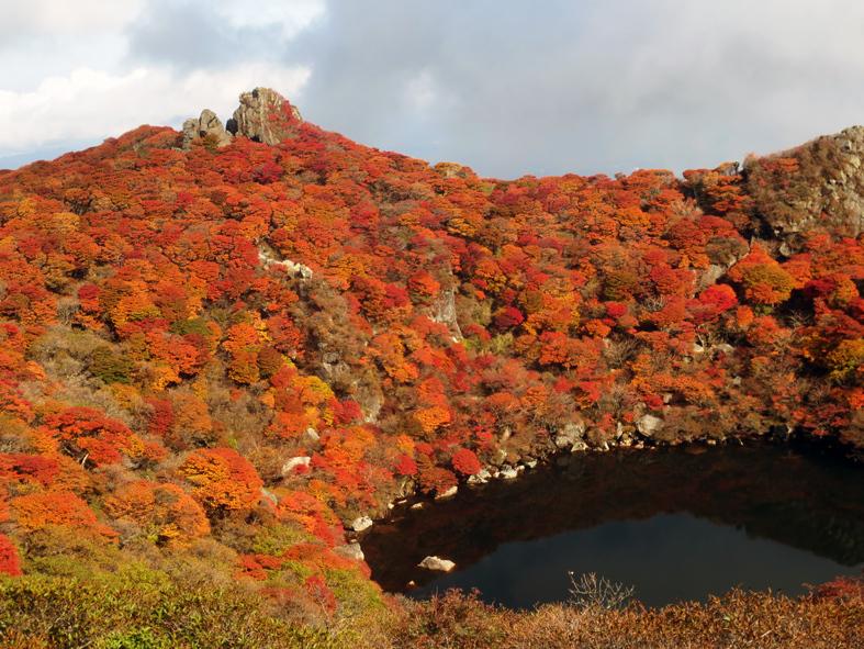 ■くじゅう大船山・御池の紅葉、そして我ながら前代未聞の……_d0190217_17452968.jpg