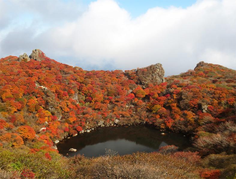 ■くじゅう大船山・御池の紅葉、そして我ながら前代未聞の……_d0190217_18513050.jpg