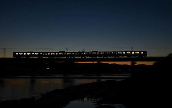 八高線・多摩川鉄橋の夕暮れ_f0173596_20240961.jpg