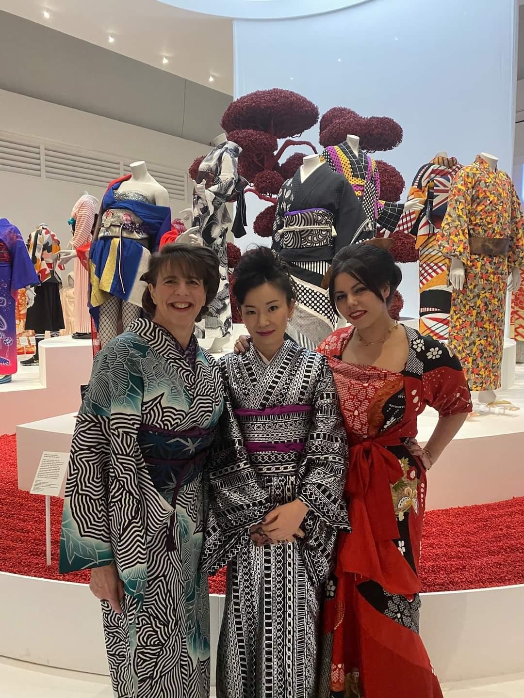 V&A kimono: kyoto to Catwalk の幕が下りました_e0151619_03182446.jpg