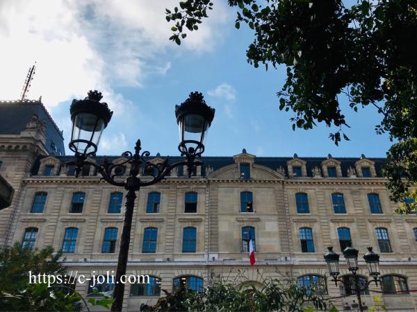 パリ警視庁とセーヌ川_d0235162_05350443.jpg