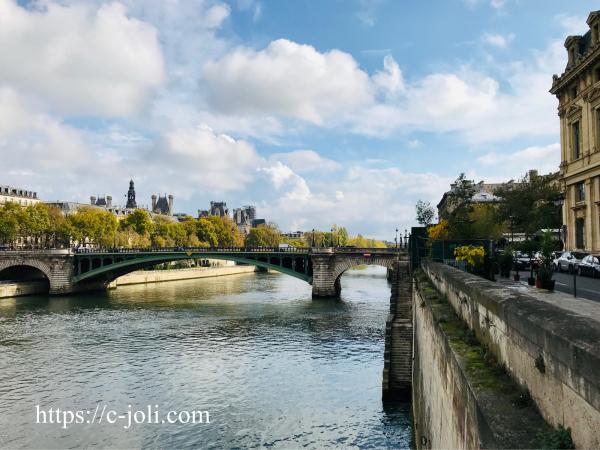 パリ警視庁とセーヌ川_d0235162_05354071.jpg