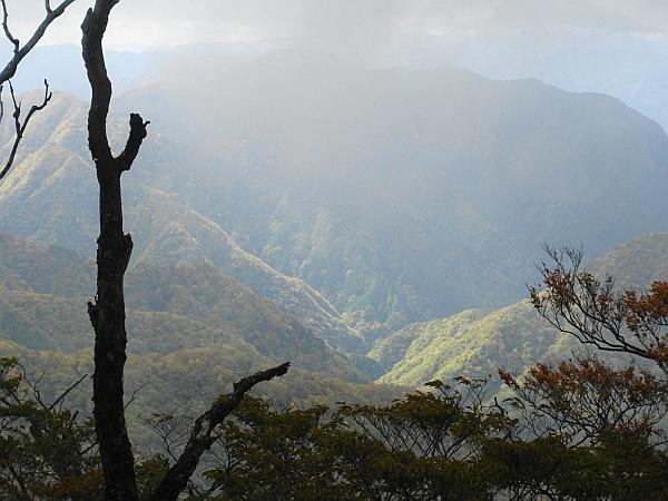 紅葉はおあずけ霧と暴風の明神岳  SOTA#JA/ME-002_f0073587_00284662.jpg