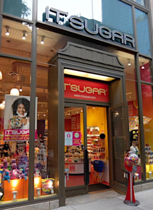お菓子専門店(It\'s Sugar)のトランプさんグッズ・コーナーの様子_b0007805_04561469.jpg