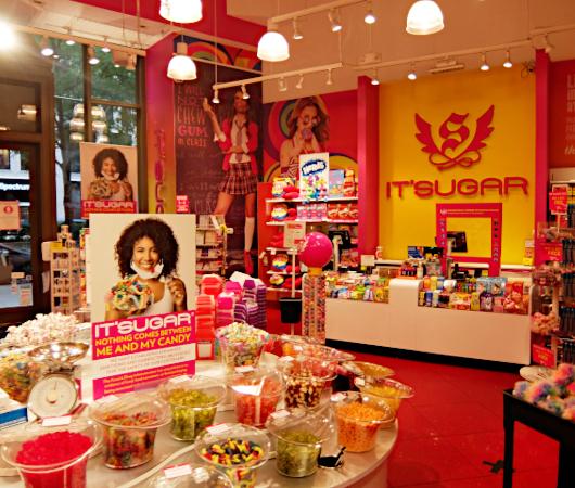お菓子専門店(It\'s Sugar)のトランプさんグッズ・コーナーの様子_b0007805_04571840.jpg