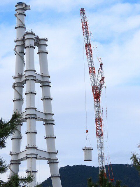 火力煙突の解体工事(撮影:10月16日)_e0321325_15571323.jpg