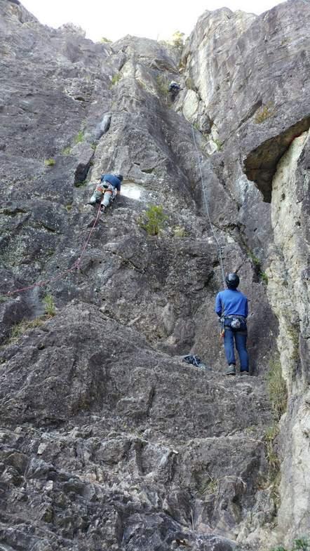 不動岩東稜紺碧の空でのクライミング_b0227552_22143289.jpg