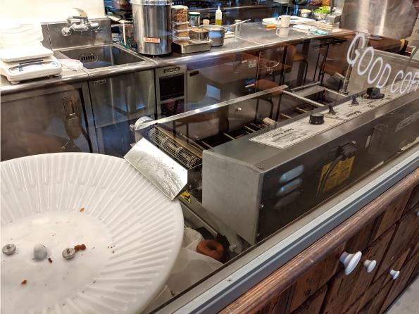 【渋谷】WHITE GLASS COFFEE「クラシックドーナツ」【ドーナツの良さが詰まった逸品!】_d0272182_14024908.jpg