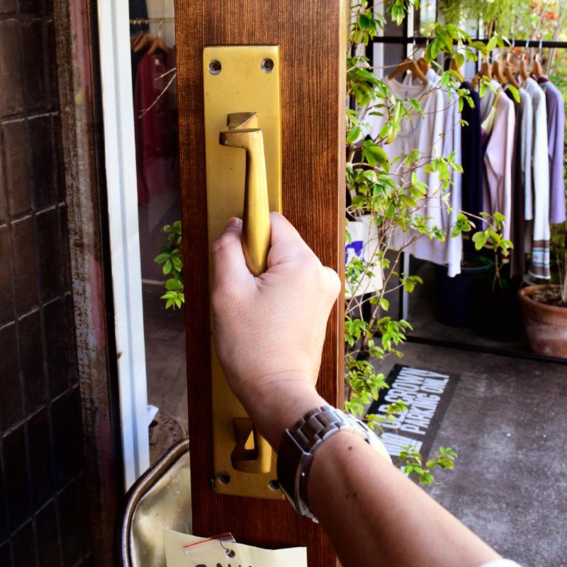 おすすめ☆【BRASS PRUDUCTS】真鍮製 プッシュプレート&ヴィクトリアン・ドア・ハンドル。_f0318397_14232143.jpg