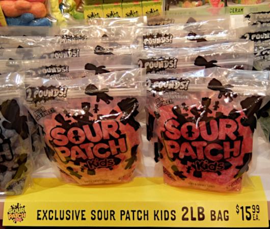 コロナ禍でも勢いのある「サワー・パッチ・キッズ」(Sour Patch Kids)_b0007805_00280674.jpg