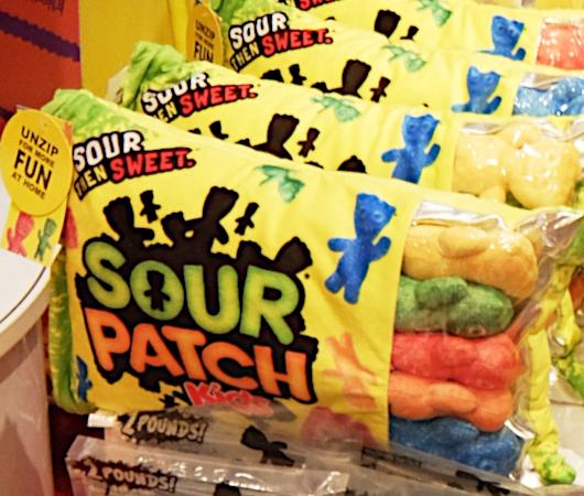 コロナ禍でも勢いのある「サワー・パッチ・キッズ」(Sour Patch Kids)_b0007805_00285886.jpg
