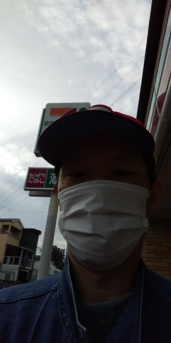 本日も忘れ去られたアベノマスクよりコンビニのマスクで介護現場出勤です。_e0094315_08204370.jpg