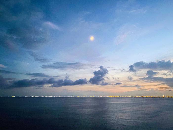 東京湾アクアライン 海ほたるPA / iPhone 11_c0334533_16154257.jpg