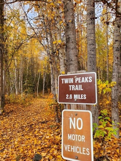 TWIN  PEAKS TRAIL ハイキング_b0135948_05242780.jpg