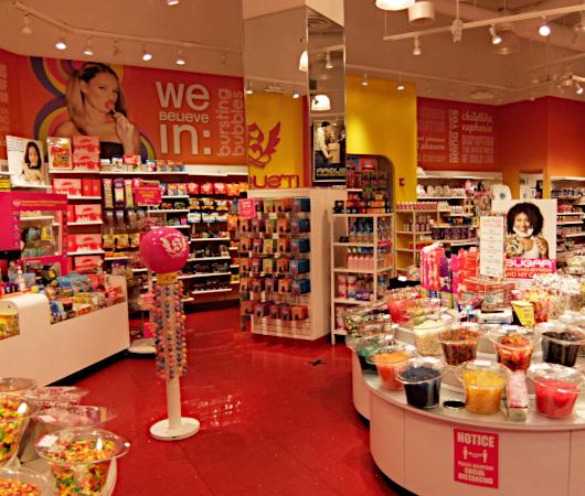 お菓子専門店(It\'s Sugar)の量り売りコーナー_b0007805_05083389.jpg