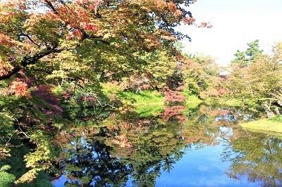 弘前公園を秋さんぽ_2020.10.28撮影_d0131668_12001849.jpg