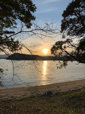 つばきマリーナプライベートビーチの夕陽_a0077071_12334883.jpg