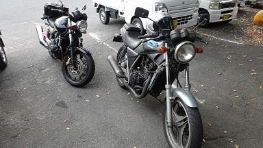 バイクショップとカフェを楽しむ_a0064474_20150710.jpg