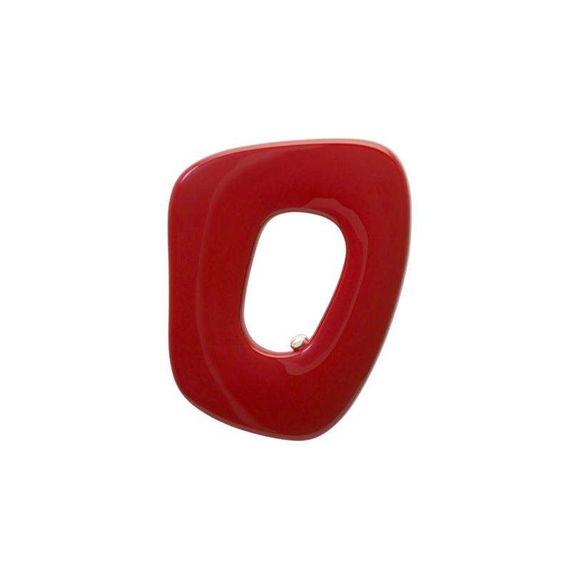 身につける漆 漆のアクセサリー ブローチ ポルト 朱色 坂本これくしょんの艶やかで美しくとても軽い和木に漆塗りのアクセサリー SAKAMOTO COLLECTION wearable URUSHI accessories brooches Porto Red color 丹念に漆を塗り重ねた質感による鮮やかで元気になれる雰囲気、ハッとするような「朱の艶」が魅力、ペンダントとしても楽しめる線画のようなシンプルでユニークなフォルムが美しい、還暦のお祝い、プレゼントにも喜ばれています。 #ブローチ #brooches #jewelry #ポルト #朱のブローチ #ユニークな形 #軽いブローチ #漆のブローチ #還暦のお祝い #プレゼント #身につける漆