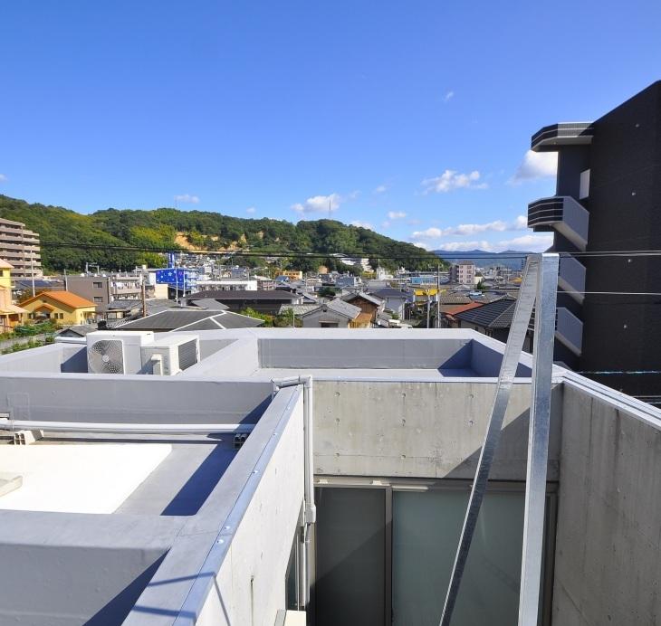 狭小住宅に住んでみた 32   階段_e0028417_21240406.jpg