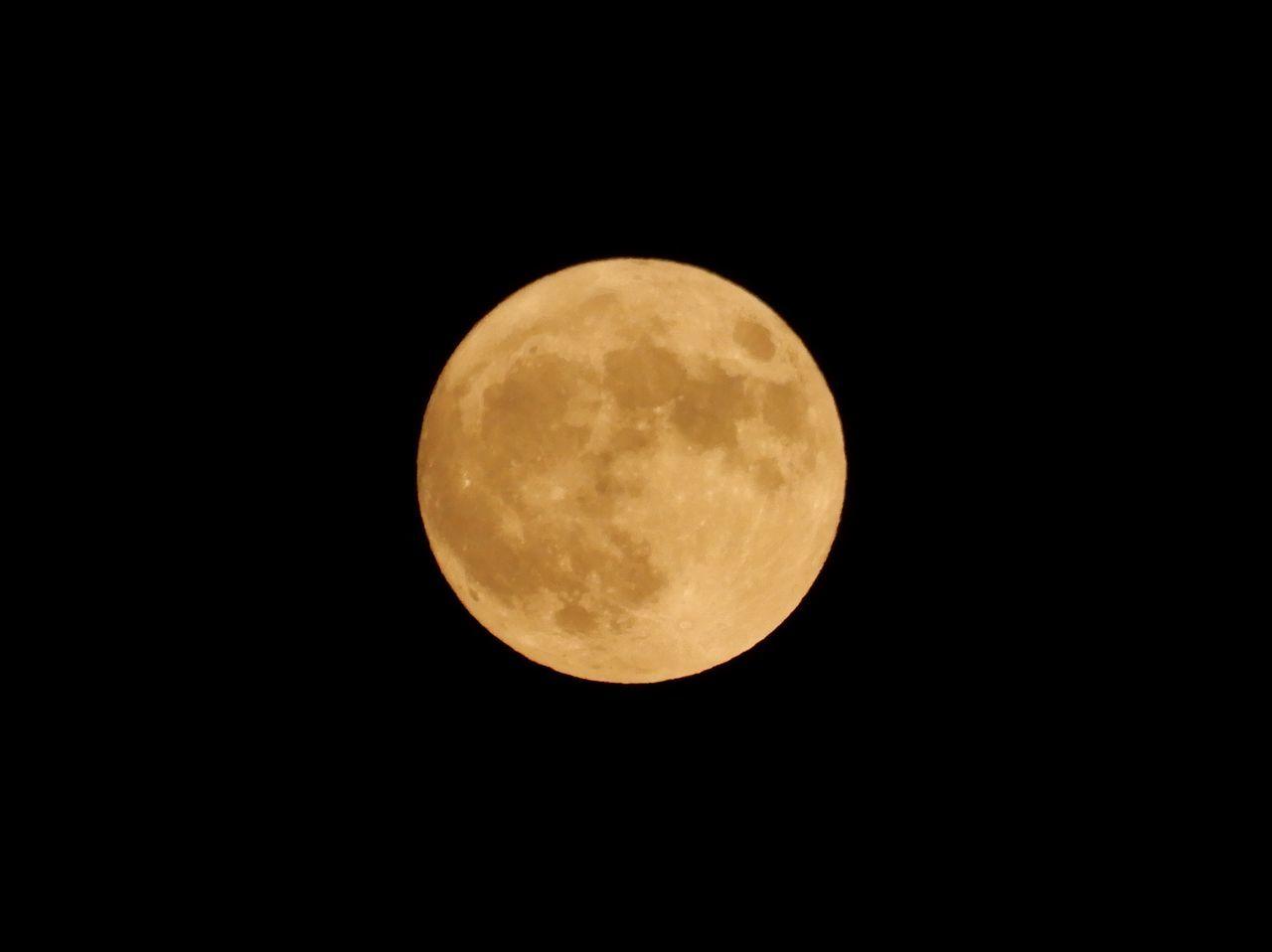 ハロウィーン、満月、ブルームーン、マイクロムーン、となりに火星_c0025115_22282976.jpg