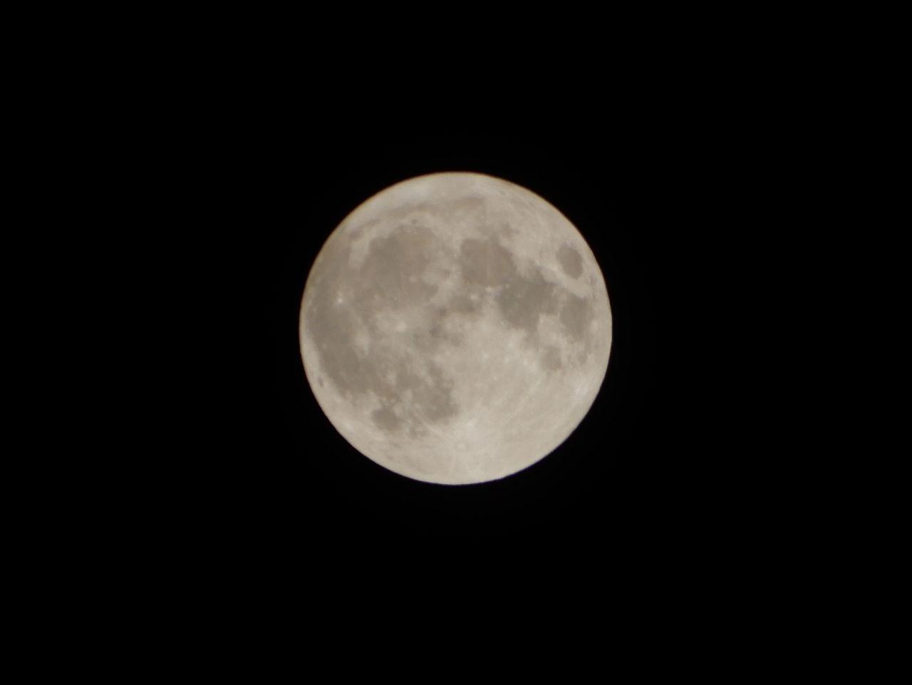 ハロウィーン、満月、ブルームーン、マイクロムーン、となりに火星_c0025115_22383617.jpg