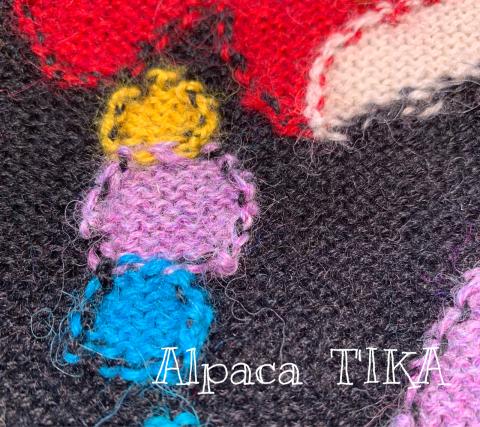 新作 ハートとアンデスの妖精柄のアルパカニットワンピース_d0187468_16514552.jpg